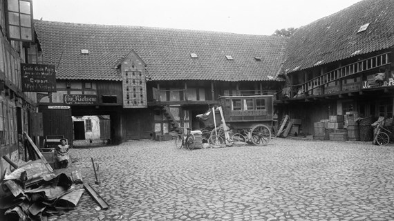 Lokalhistorisk café: Historien om Vestergade og den virksomheder v/ Leif Dehnits
